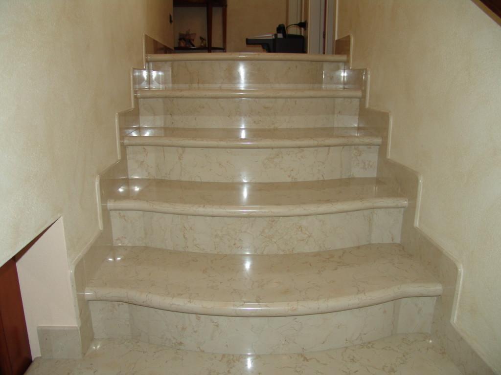 Scala in marmo e non solo lavorazioni in marmo - Scale interne in marmo ...
