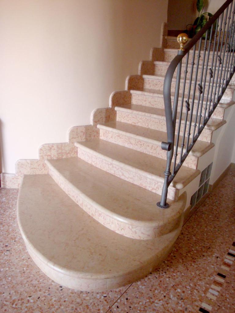 Scala in marmo e non solo lavorazioni in marmo padovalavorazioni in marmo padova - Marmo per scale ...